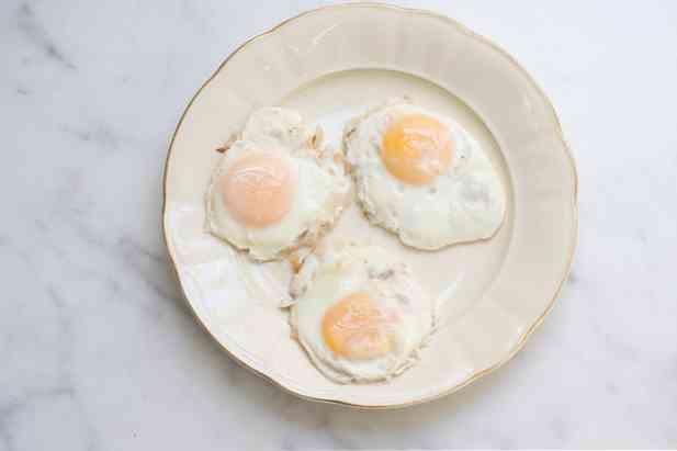 durante lerezione delle uova il ragazzo ha un pene piccolo